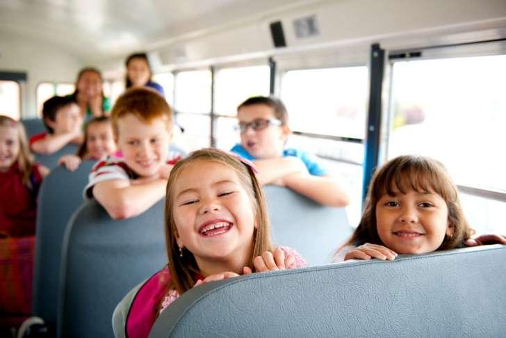 дети в автобусе