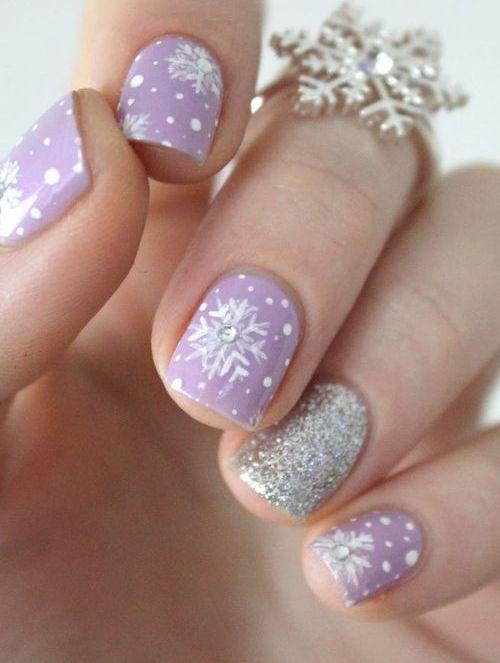 snowflake manicure example