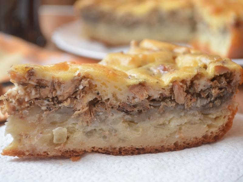 ебет зрелую пирог с картофелем и сайрой заработать своем