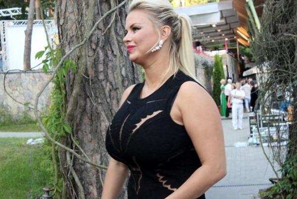 Анна Семенович певица