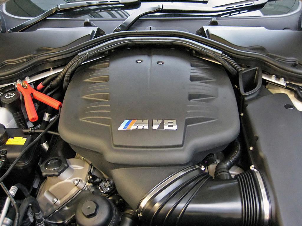 Двигатель на автомобиль BMW