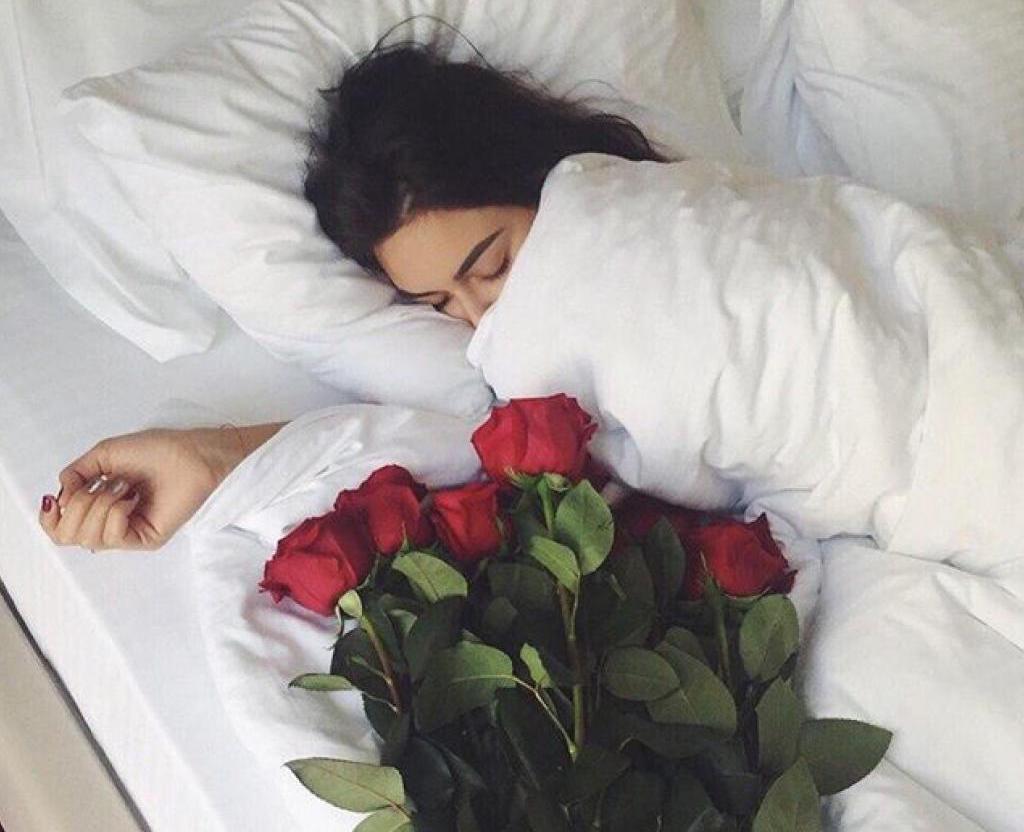 Фотографии пока она спит, Спящие жены без трусов (47 фото) 1 фотография