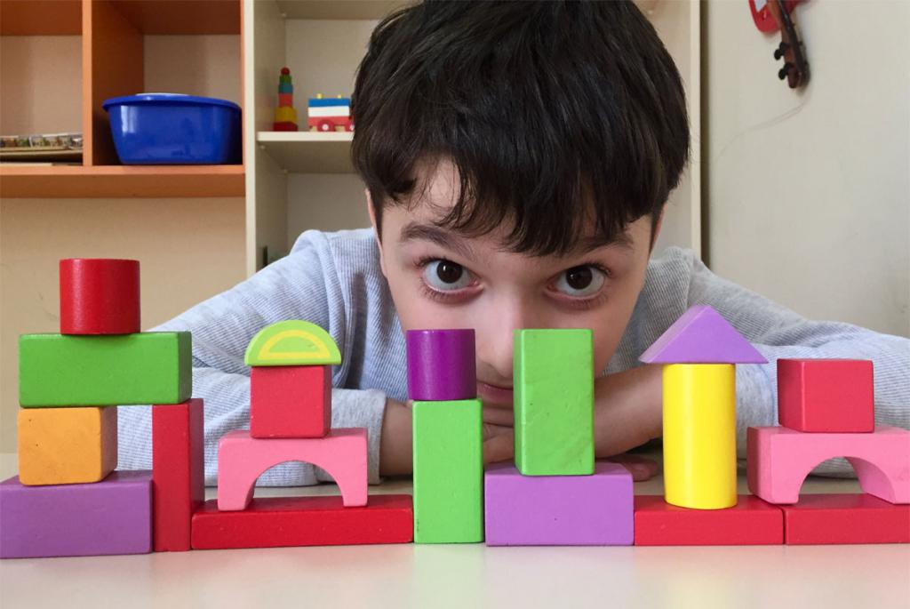 boy with cubes