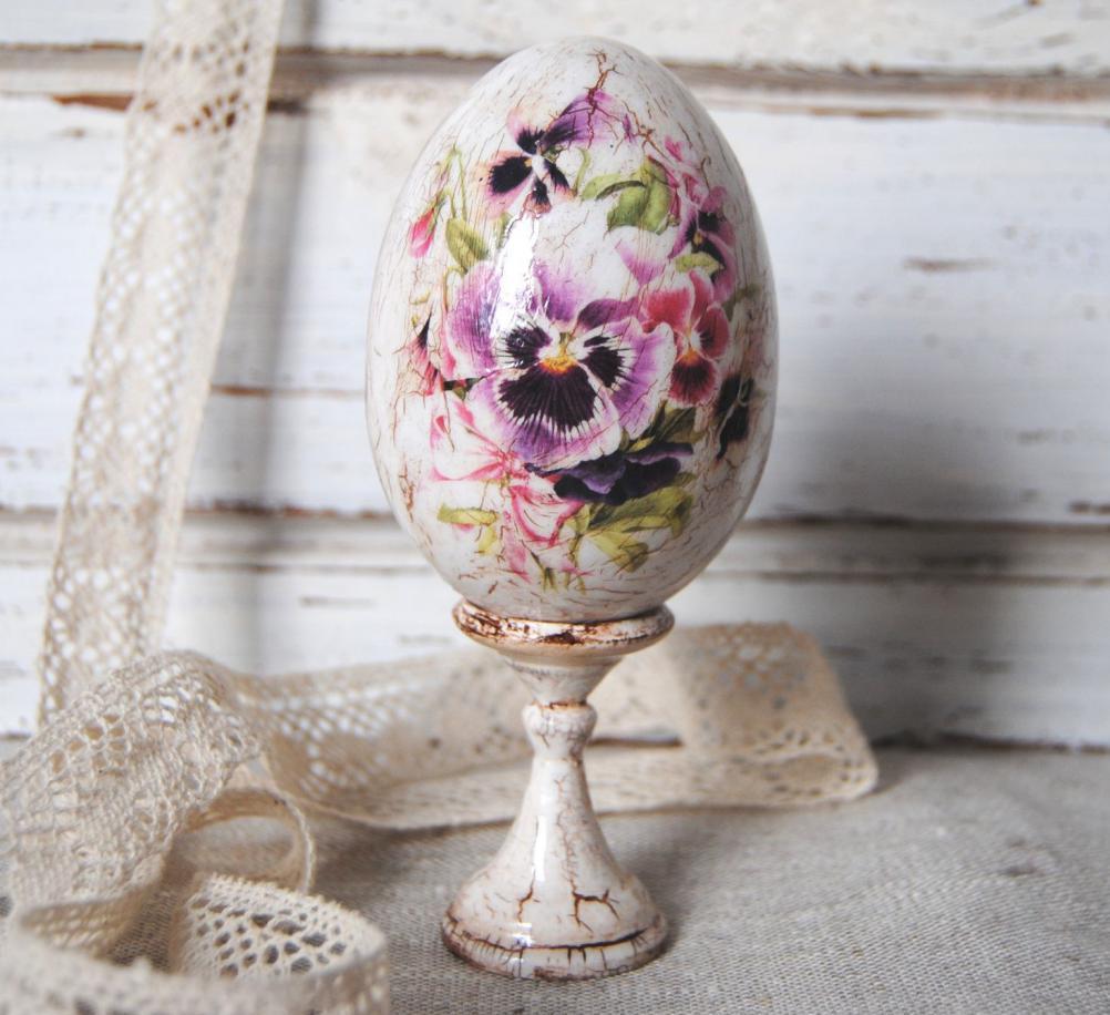 decoupage antique Easter eggs