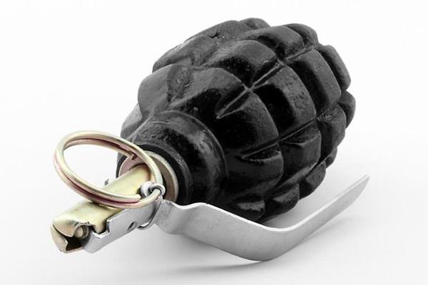grenade characteristic f 1