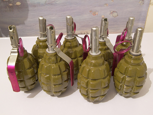hand grenades f 1