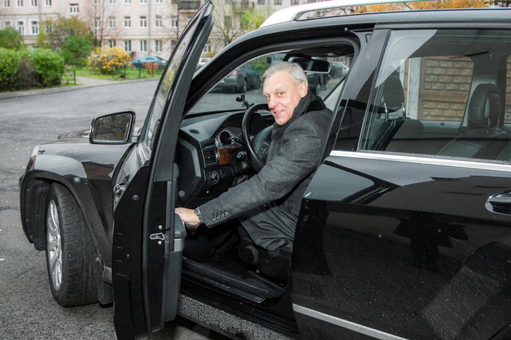 Александр Половцев в автомобиле