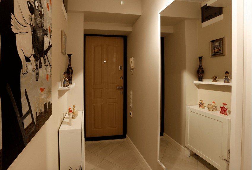 hallway design with large mirror