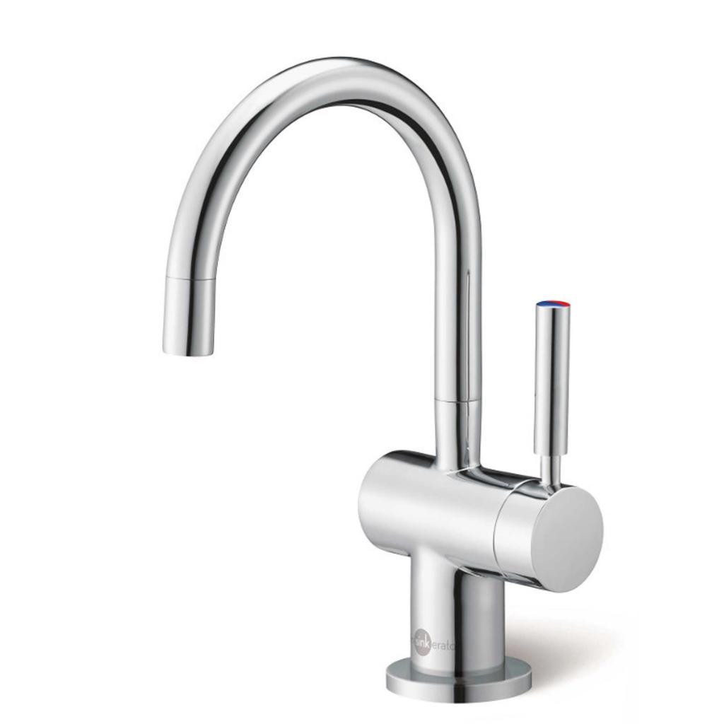 Кухонный смеситель подключается к источнику водоснабжения через гибкую подводку