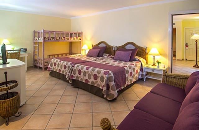 Peninsula rooms