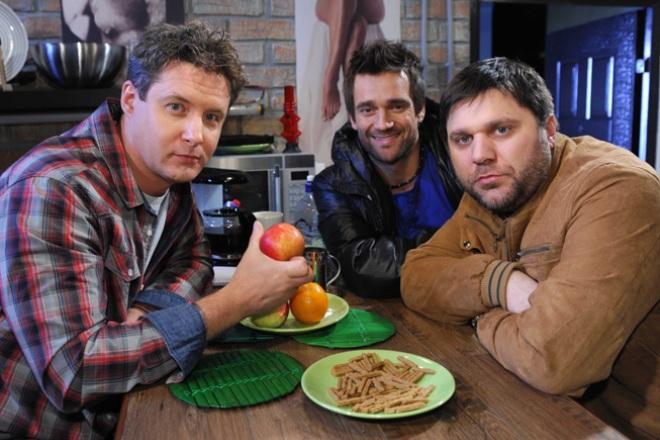 """Alexander Makogon, Dmitry Miller and Jemal Tetruashvili in the series """"Traffic Light"""""""