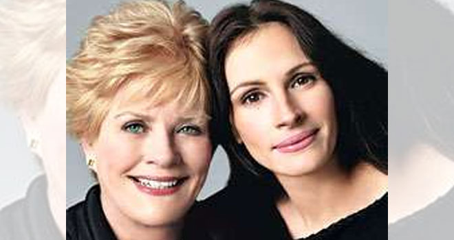 Julia Roberts with mom