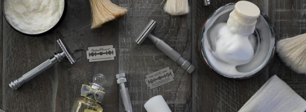Men's intimate haircuts and tools for them
