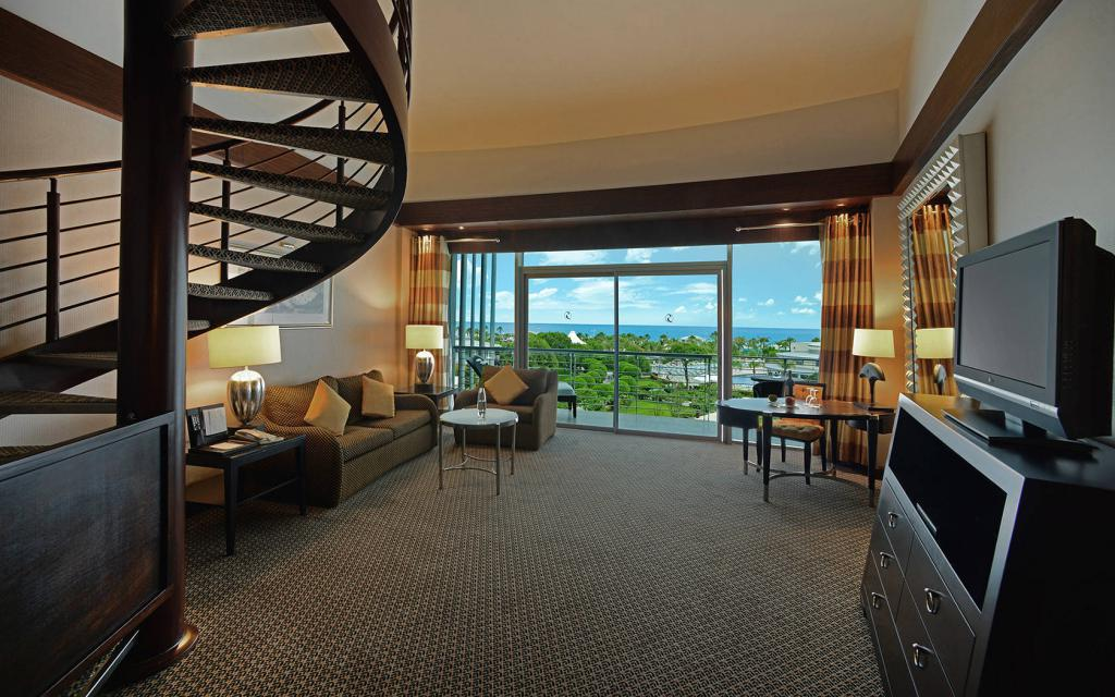 calista luxury resort service