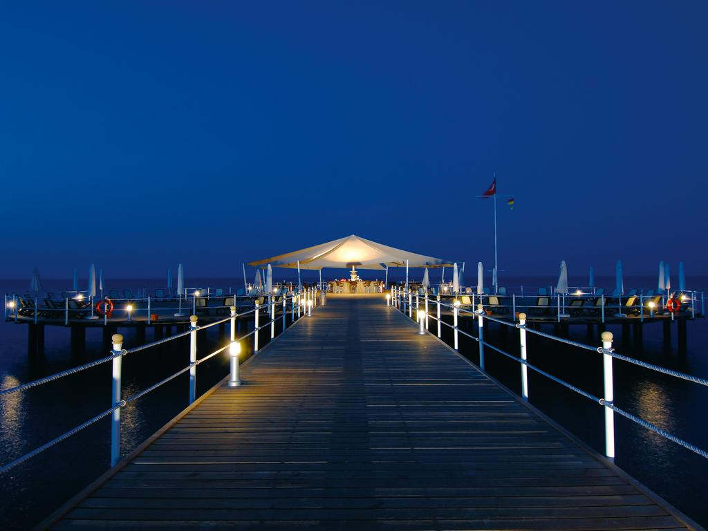 calista luxury resort 5 buffet