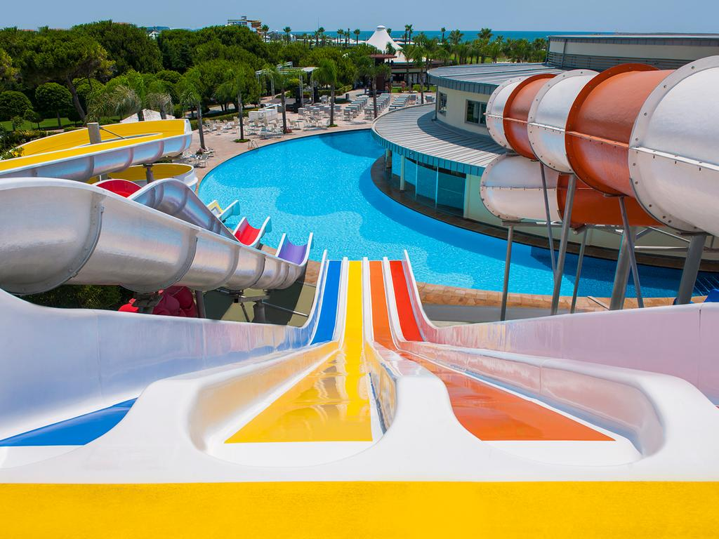 where is calista luxury resort 5