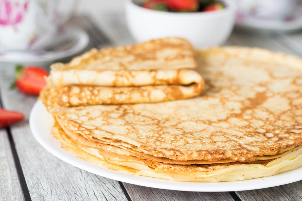 classic thin pancakes with milk