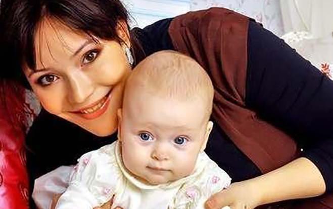 Александра с Евой