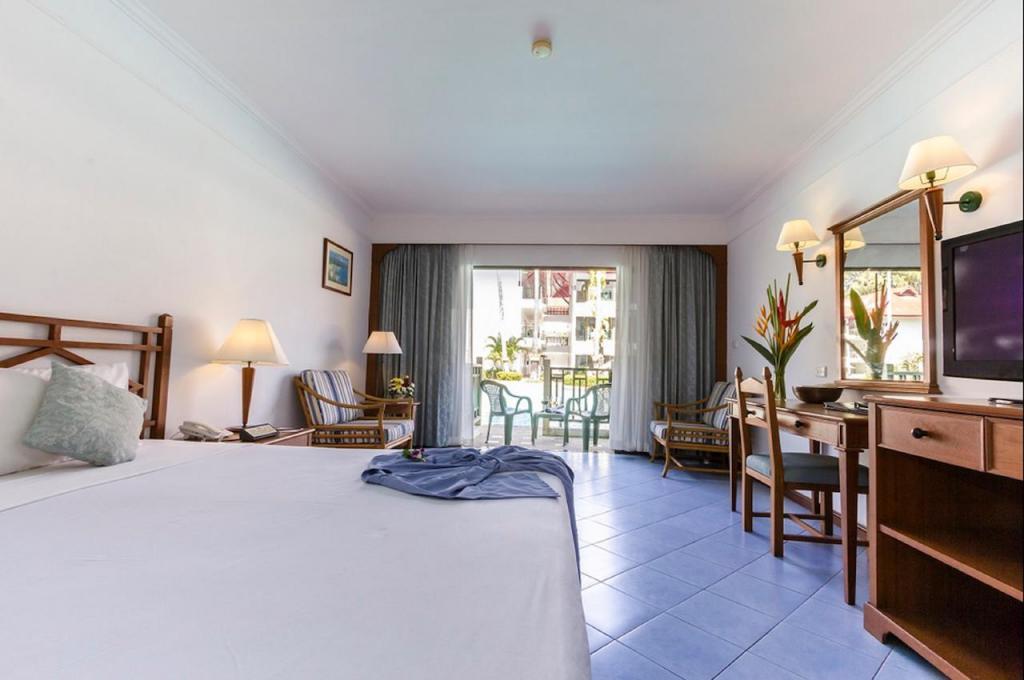 Amora Beach Resort rooms