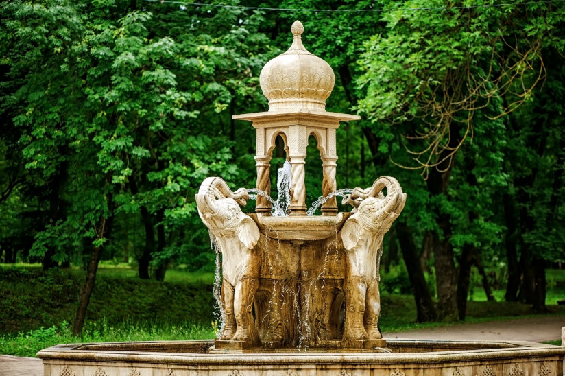 Fountains with elephants