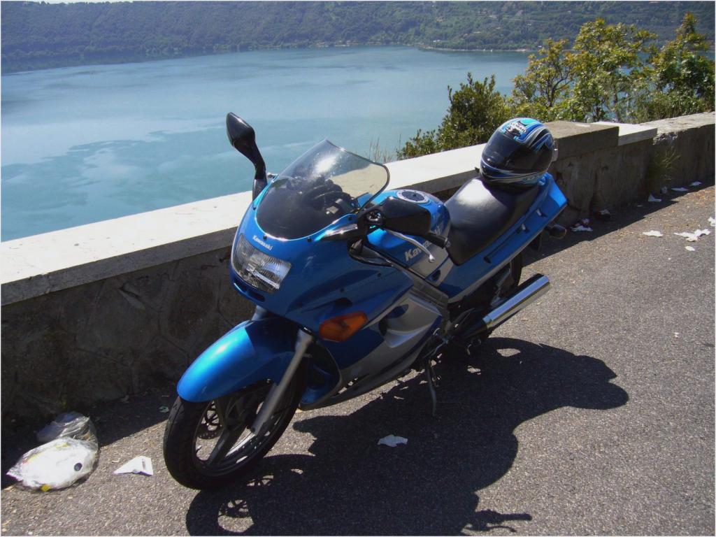 Blue Kawasaki ZZR 250