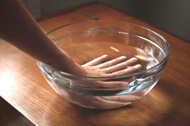 вывести бородавку в домашних условиях на руке