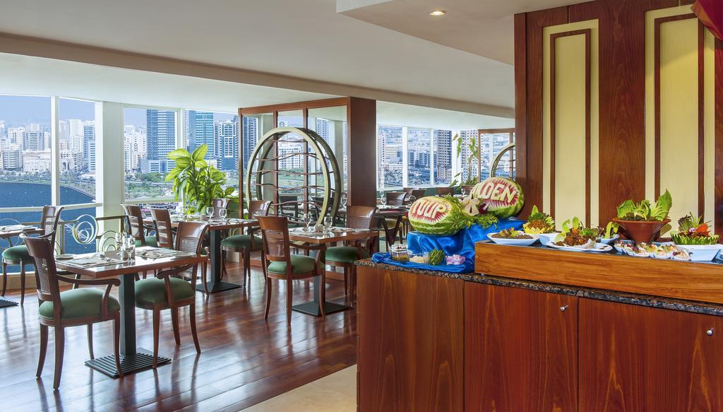Restaurant Golden Tulip Sharjah 4 *