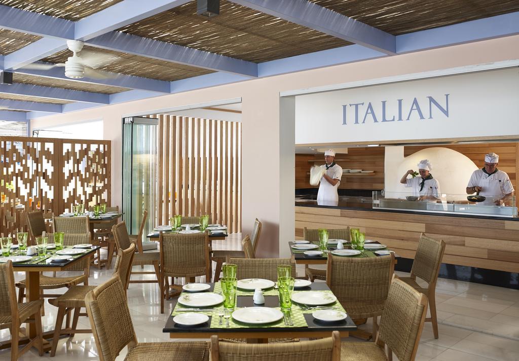 Italian restaurant in Mitsis Rodos Village 4 *