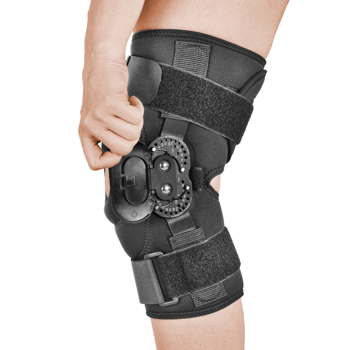 Treatment of knee dislocation