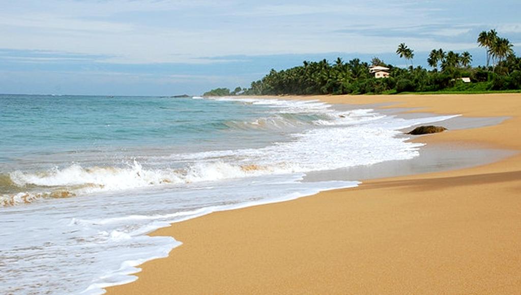 Beach Hotel Induruwa Beach Resort 3 *