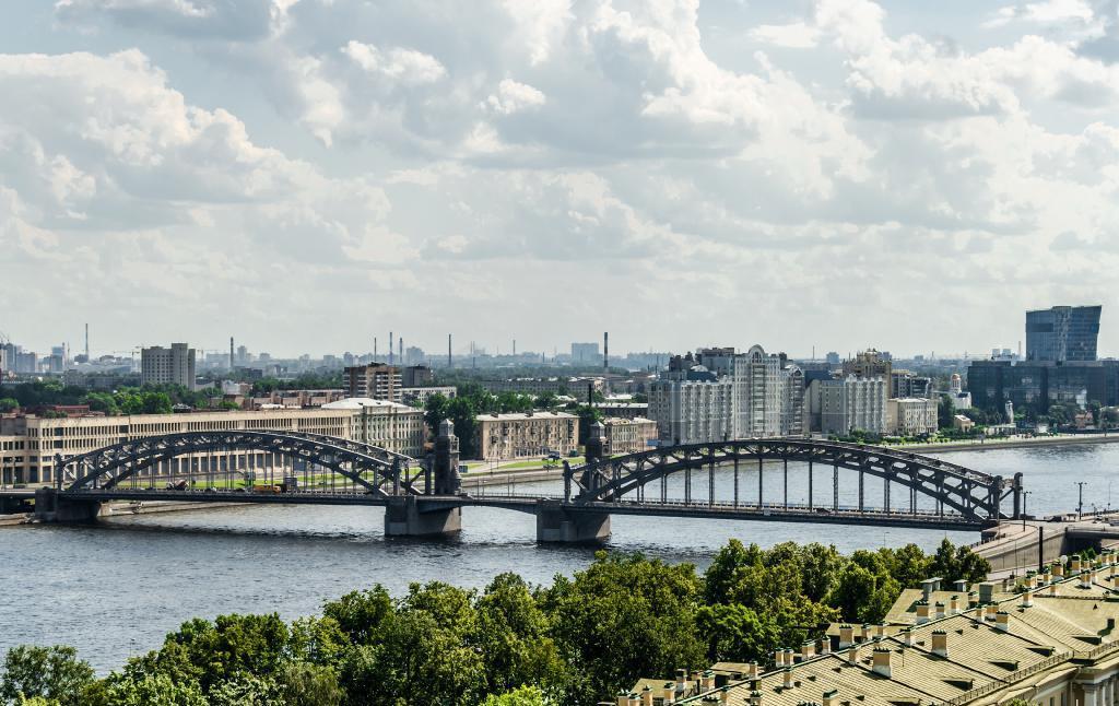 Bolsheokhtinsky bridge in the afternoon