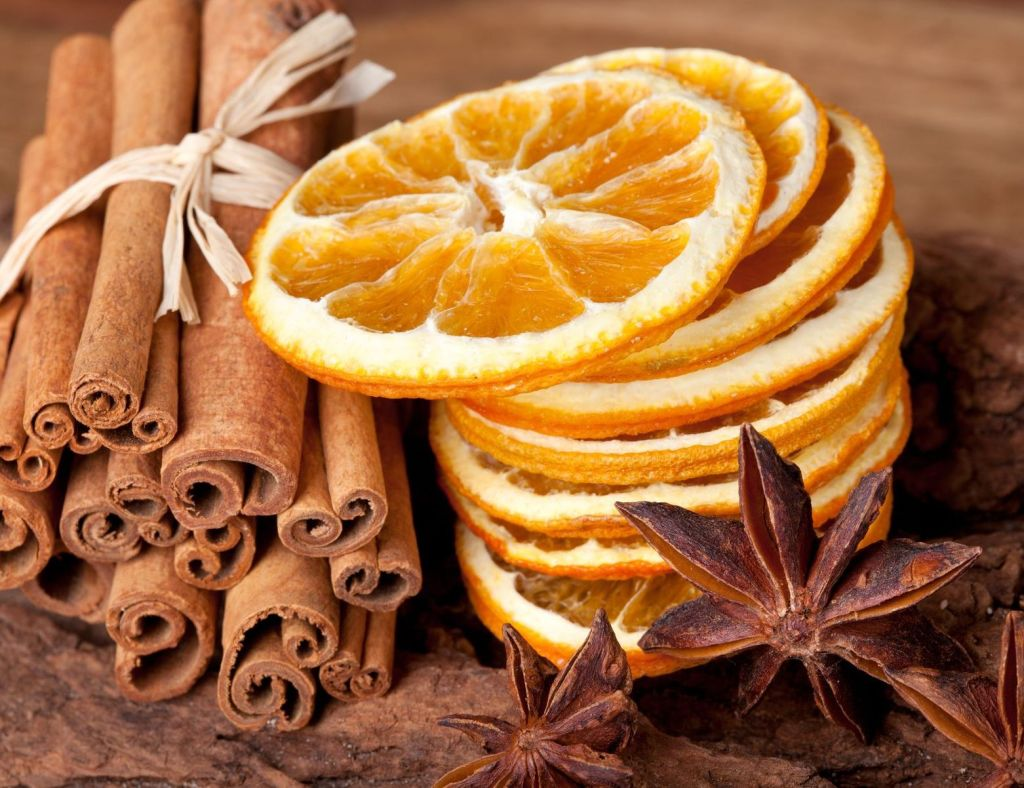 cinnamon and orange for decor candles