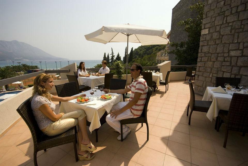 rest in hotels of Montenegro