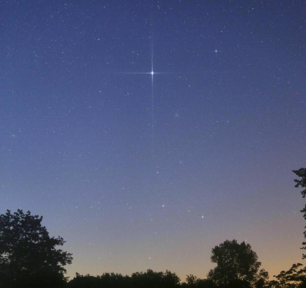 Панорамное фото звездное небо круговой обзор темной комнате