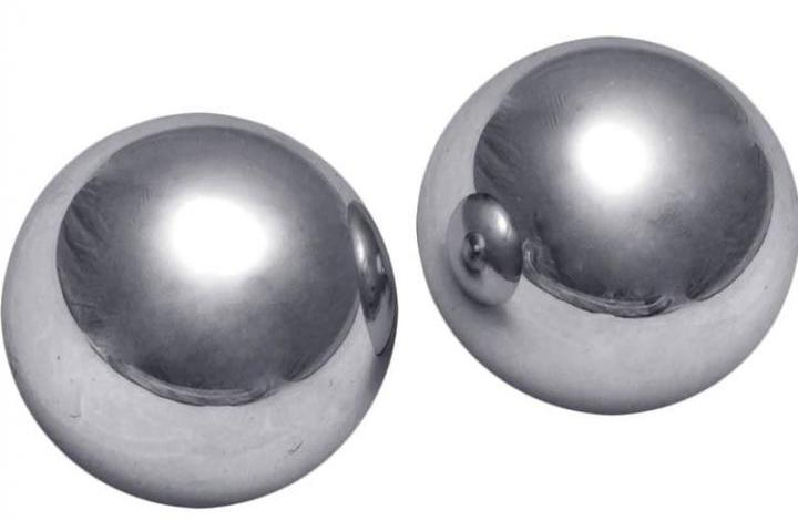 Metal vaginal balls