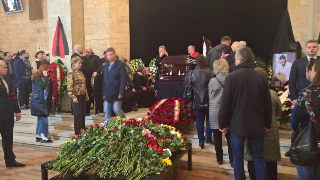 кто прощание с дмитрием марьяновым фото основном его