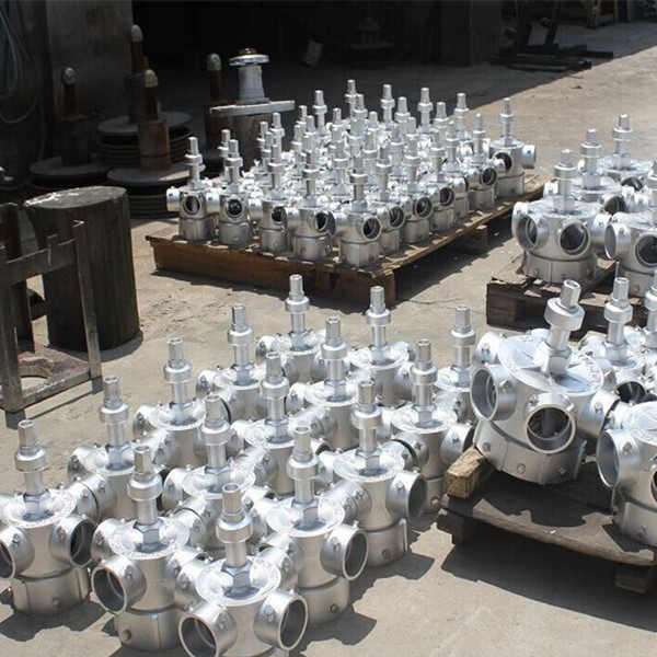 Sprinkler sprayers for cooling towers
