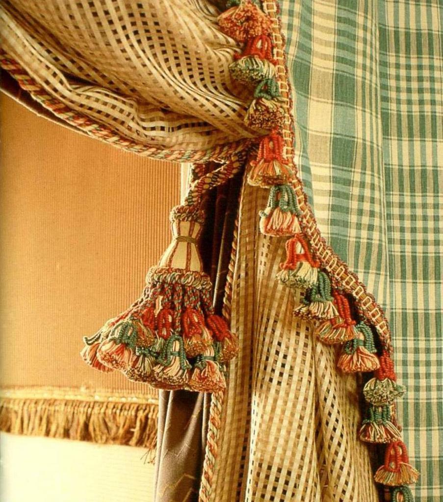 Fringe - curtains
