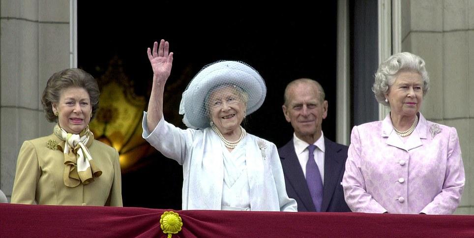 королева Елизавета в 2000 году