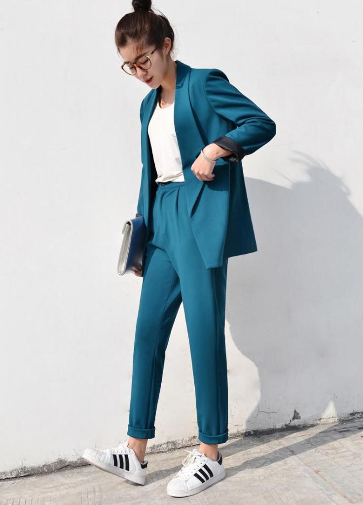 faa80800435 Модные деловые костюмы для женщин  описание и фото    SYL.ru