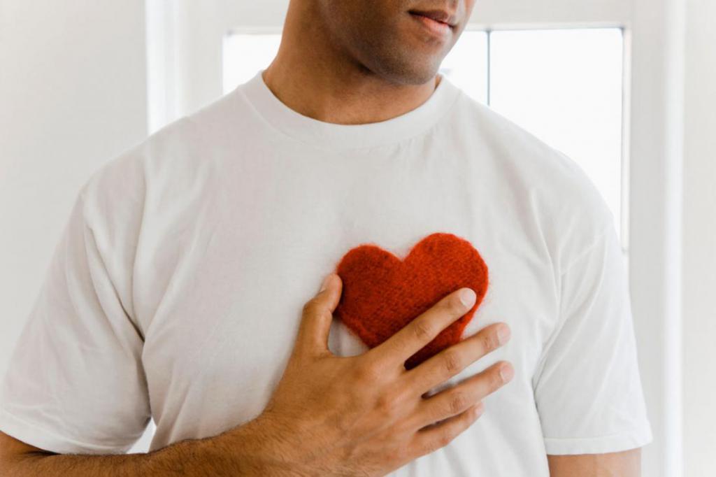Как понять его чувства по поступкам и поведению, как распознать признаки влюбленности?