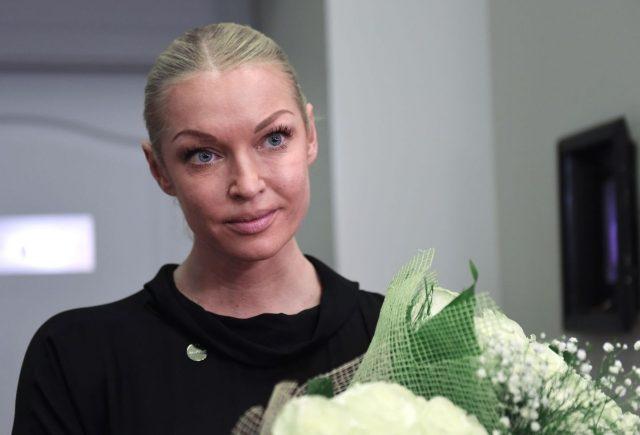 Volochkova with flowers