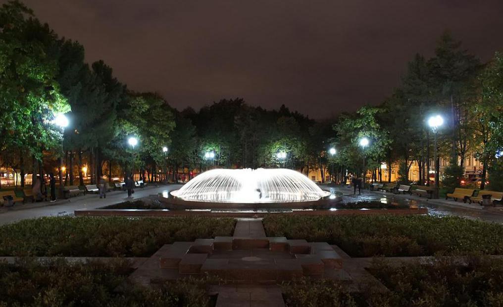 Новопушкинский сквер фото аиды