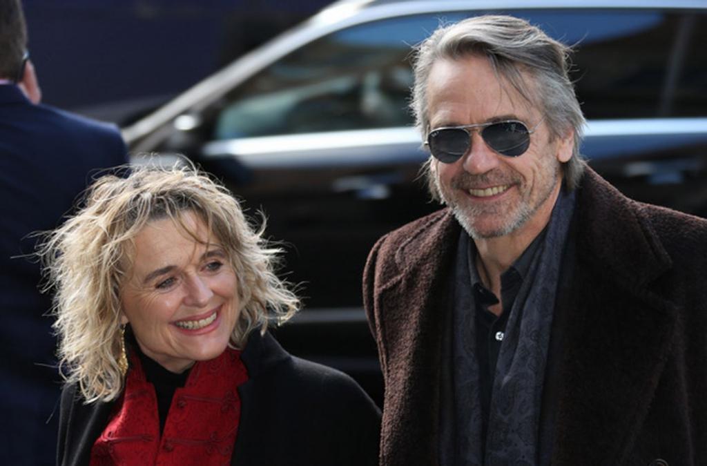 джереми айронс фото с женой историческим