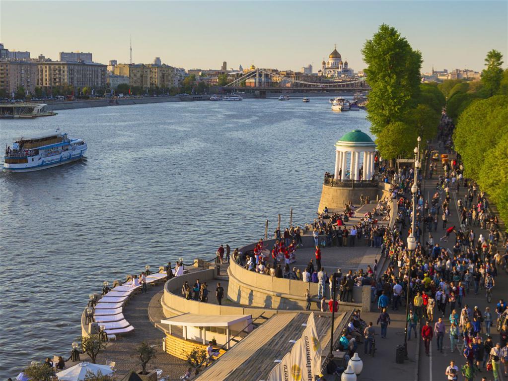 Москва-река возле Парка Горького