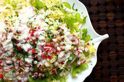 салат из крабовыз палочек и пекинской капусты