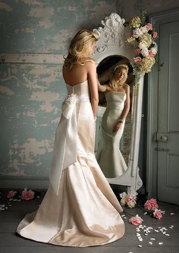 Сонник в свадебном платье видеть дочь