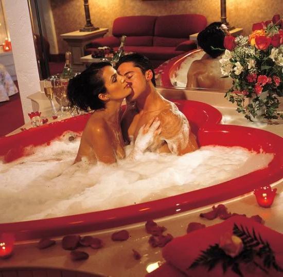 фото мужчины и женщины моются вместе