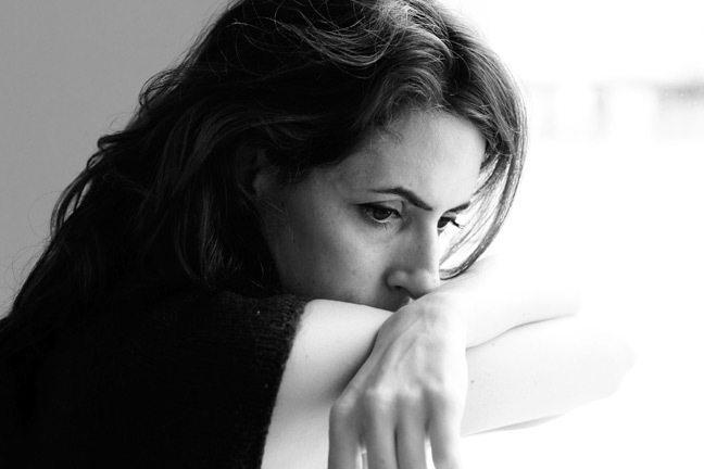 Что такое депрессия: симптомы, виды и лечение