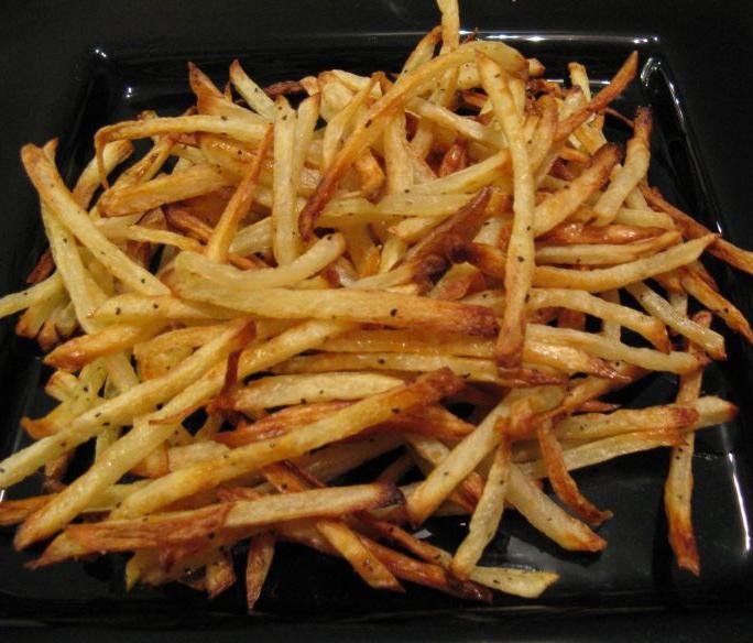 Картошка в кожуре запеченная в духовке целиком